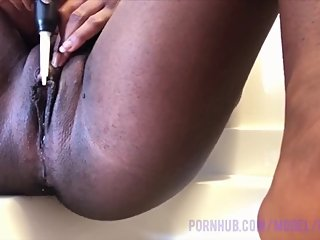 Vibrator Makes My Pussy Drip (in 4K)