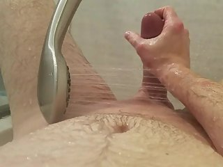 shower orgasm to get stepsister's attention